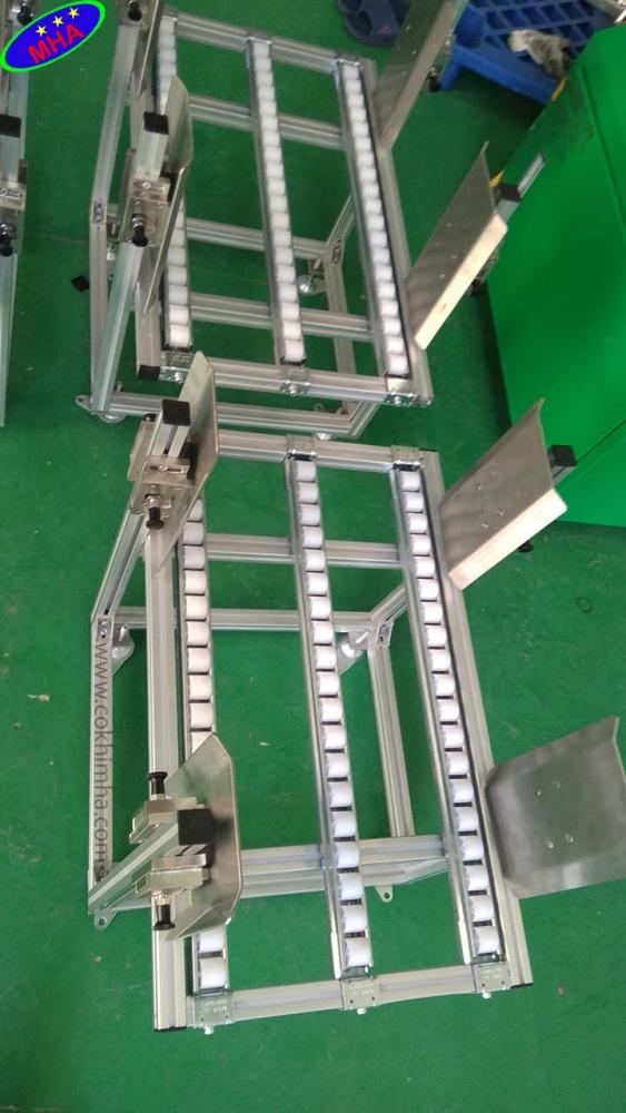 Băng chuyền con lăn nhựa trong công nghiệp